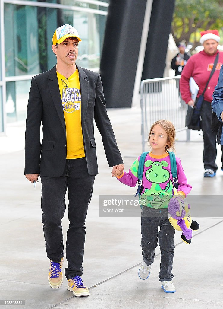 <a gi-track='captionPersonalityLinkClicked' href=/galleries/search?phrase=Anthony+Kiedis&family=editorial&specificpeople=202189 ng-click='$event.stopPropagation()'>Anthony Kiedis</a> is seen on December 25, 2012 in Los Angeles, California.