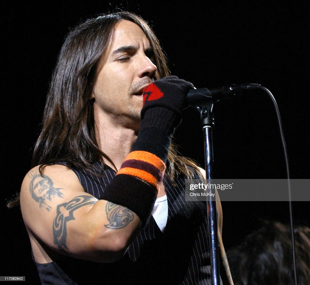 who was anthony kiedis dating in 2006