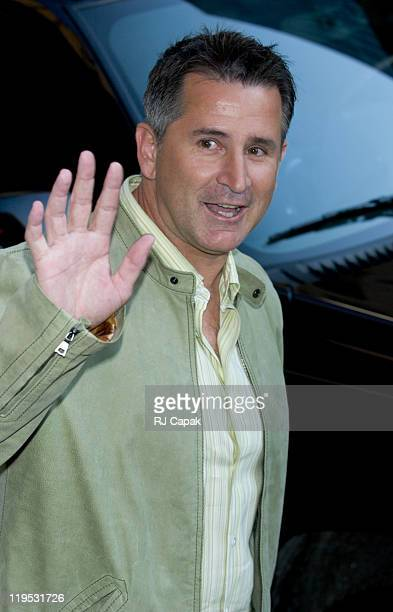 Anthony LaPaglia during Anthony LaPaglia Visits the 'Late Show with David Letterman' April 14 2005 at Ed Sullivan Theatre in New York City New York...