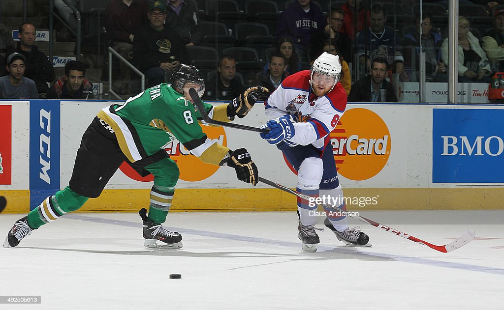 Anthony Mantha #8 of the Val'Dor Foreurs skates against Griffin Reinhart #8 of the Edmonton Oil Kings during Game Five of the 2014 MasterCard Memorial Cup at Budweiser Gardens on May 20, 2014 in London, Ontario, Canada. The Foreurs defeated the Oil Kings 4-3 in double overtime.