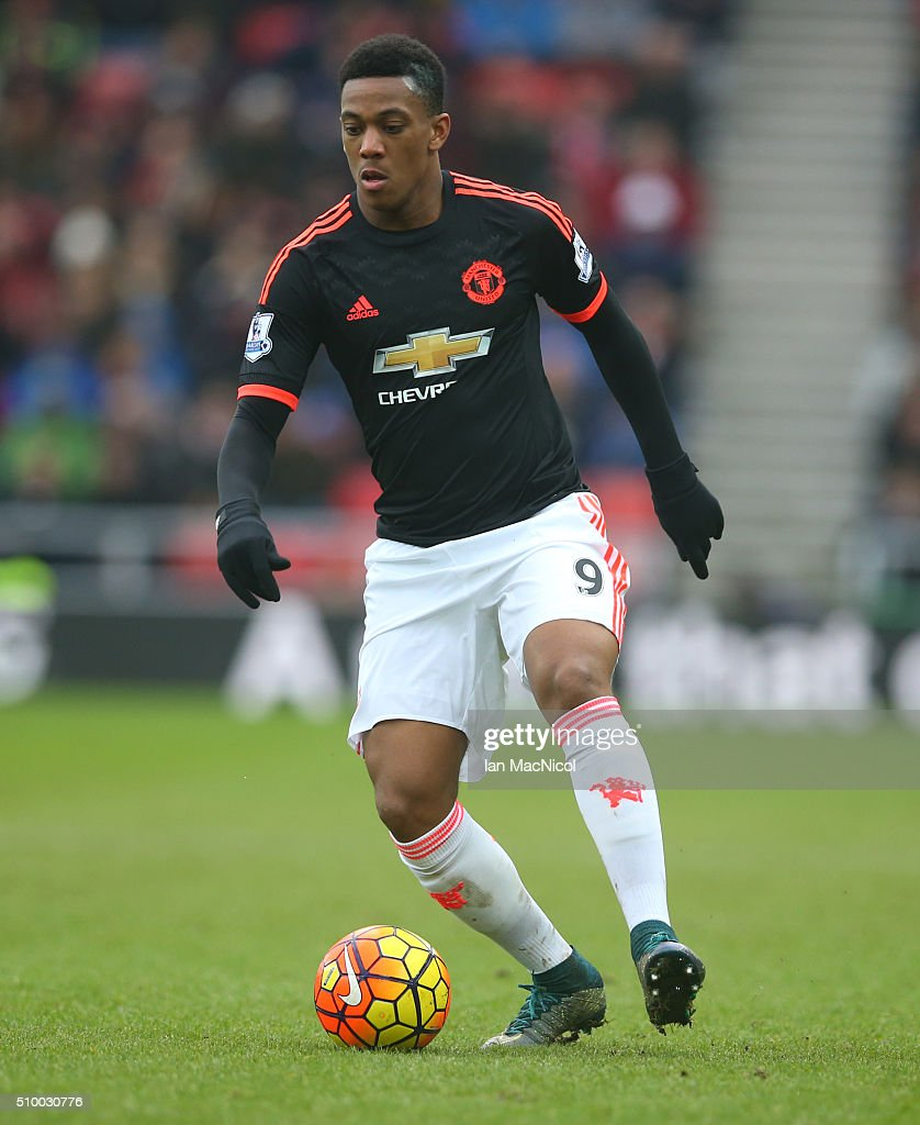 <a gi-track='captionPersonalityLinkClicked' href=/galleries/search?phrase=Anthony+Martial&family=editorial&specificpeople=9197434 ng-click='$event.stopPropagation()'>Anthony Martial</a> of Manchester United controls the ball during the Barclays Premier m/ match between Sunderland and Manchester United at The Stadium of Light on February 13, 2016 in Sunderland, England.