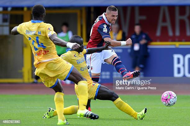 Anthony Mounier of Bologna FC scores the opening goal during the Serie A match between Bologna FC and Frosinone Calcio at Stadio Renato Dall'Ara on...