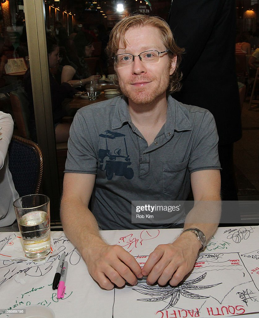 <a gi-track='captionPersonalityLinkClicked' href=/galleries/search?phrase=Anthony+Rapp&family=editorial&specificpeople=584008 ng-click='$event.stopPropagation()'>Anthony Rapp</a> attends the 25th annual Broadway Flea Market at The Bernard B. Jacobs Theatre on September 25, 2011 in New York City.