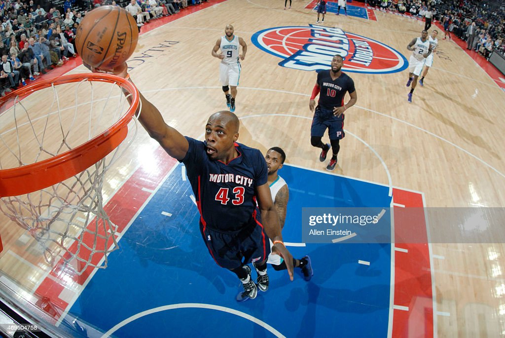 Anthony Tolliver of the Detroit Pistons goes for the dunk against the Charlotte Hornets during the game on April 12 2015 at The Palace of Auburn in...