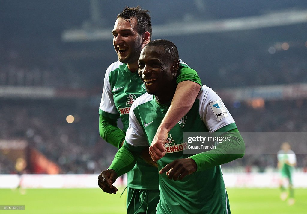 <a gi-track='captionPersonalityLinkClicked' href=/galleries/search?phrase=Anthony+Ujah&family=editorial&specificpeople=7910849 ng-click='$event.stopPropagation()'>Anthony Ujah</a> of Werder Bremen (R) celebrates as he scores their sixth goal during the Bundesliga match between Werder Bremen and VfB Stuttgart at Weserstadion on May 2, 2016 in Bremen, Germany.