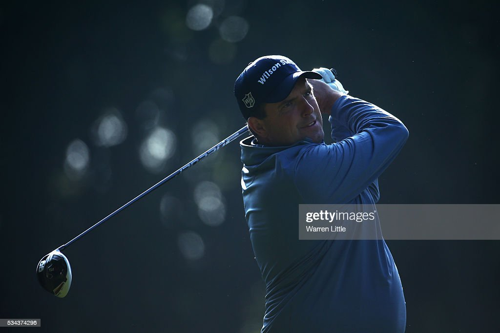 <a gi-track='captionPersonalityLinkClicked' href=/galleries/search?phrase=Anthony+Wall&family=editorial&specificpeople=243115 ng-click='$event.stopPropagation()'>Anthony Wall</a> of England tees off on the 3rd hole during day one of the BMW PGA Championship at Wentworth on May 26, 2016 in Virginia Water, England.