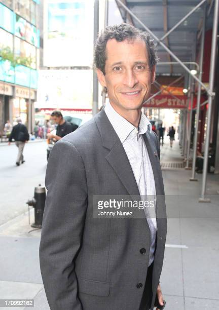 Anthony Weiner attends a conversation with Mayoral candidate Anthony Weiner at Bobby Van's Grill on June 20 2013 in New York City