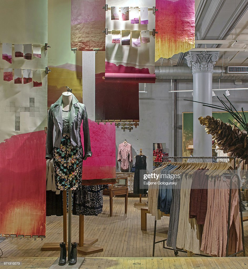 anthropologie new york window display 2015 as part of the world pictures getty images. Black Bedroom Furniture Sets. Home Design Ideas