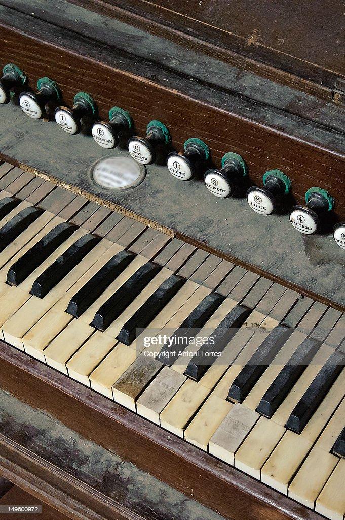 Antic piano : Stock Photo