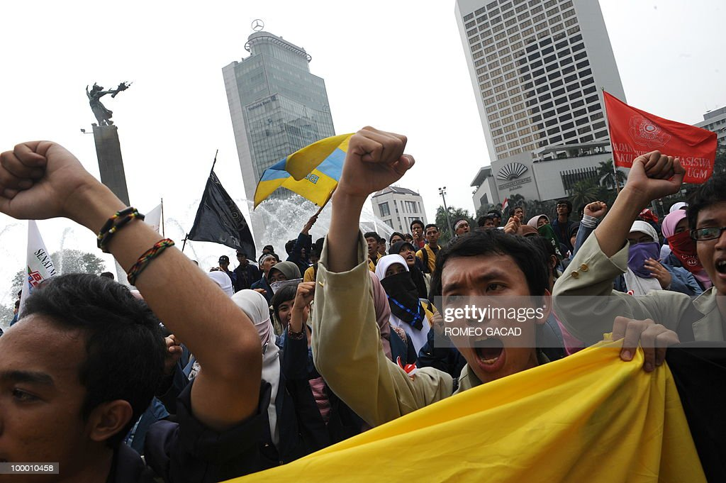 Anti-corruption demonstrators hold a rally in Jakarta on May 20, 2010. Indonesian President Susilo Bambang Yudhoyono appointed PT Bank Mandiri chief Agus Martowardojo as the new finance minister after the shock resignation of independent economist Indrawati. Protestors denounced Indrawati and Vice President Boediono for their alleged role in a controversial bank bailout.
