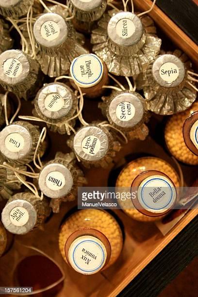 Ancienne échoppe d'apothicaire bouteilles