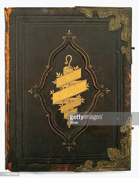 アンティーク聖書のフロントカバー、タイトルを削除。