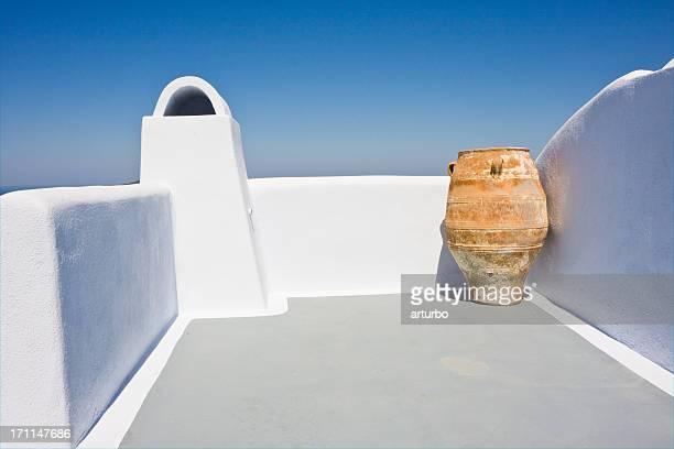 アンティークの陶器のテラス