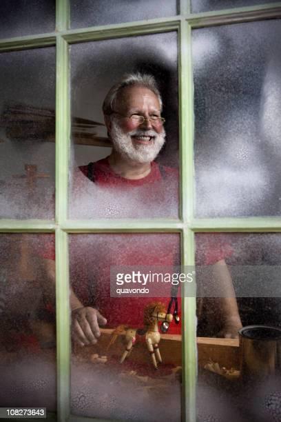 Atelier Antique avec Joyeux Père Noël souriant, espace pour copie