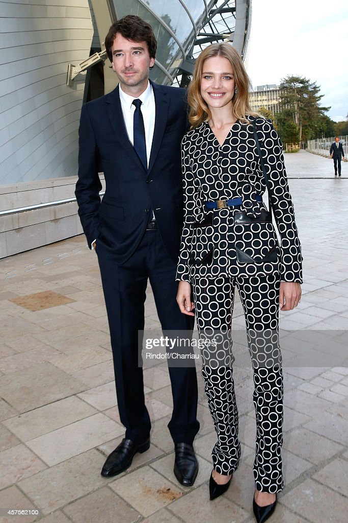 <a gi-track='captionPersonalityLinkClicked' href=/galleries/search?phrase=Antoine+Arnault&family=editorial&specificpeople=676045 ng-click='$event.stopPropagation()'>Antoine Arnault</a> and <a gi-track='captionPersonalityLinkClicked' href=/galleries/search?phrase=Natalia+Vodianova&family=editorial&specificpeople=203265 ng-click='$event.stopPropagation()'>Natalia Vodianova</a> attend the Foundation Louis Vuitton Opening at Foundation Louis Vuitton on October 20, 2014 in Boulogne-Billancourt, France.