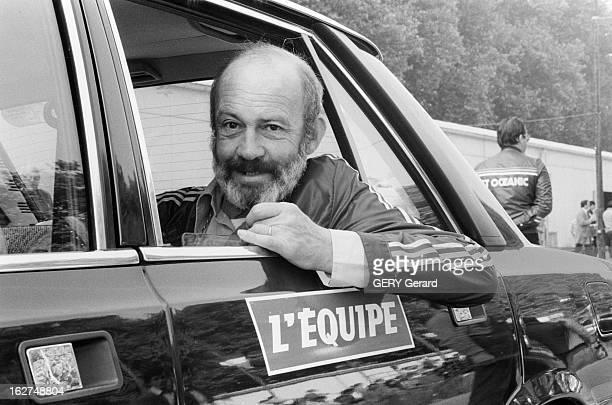 Antoine Blondin On Tour De France En France en juillet 1979 Antoine BLONDIN suit le tour de France cycliste ici assis à l'arrière de la voiture du...