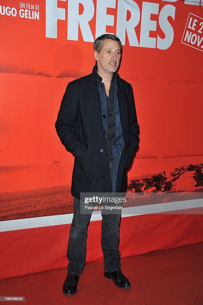 <a gi-track='captionPersonalityLinkClicked' href=/galleries/search?phrase=Antoine+de+Caunes&family=editorial&specificpeople=613114 ng-click='$event.stopPropagation()'>Antoine de Caunes</a> attends 'Comme Des Freres' Premiere at Cinema Gaumont Opera on November 15, 2012 in Paris, France.