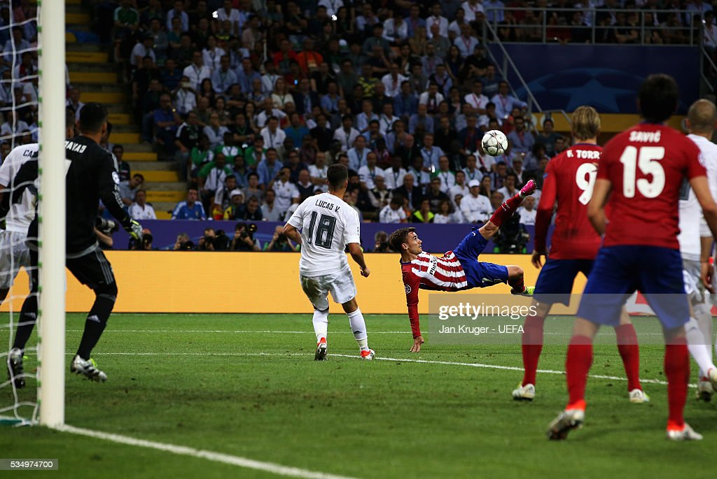 <a gi-track='captionPersonalityLinkClicked' href=/galleries/search?phrase=Antoine+Griezmann&family=editorial&specificpeople=7197539 ng-click='$event.stopPropagation()'>Antoine Griezmann</a> of Atletico Madrid attempts ab overhead kick during the UEFA Champions League Final between Real Madrid and Club Atletico de Madrid at Stadio Giuseppe Meazza on May 28, 2016 in Milan, Italy.