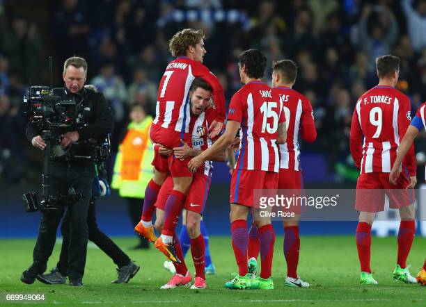 Antoine Griezmann of Atletico Madrid celebrates with his Atletico Madrid team mates after the UEFA Champions League Quarter Final second leg match...