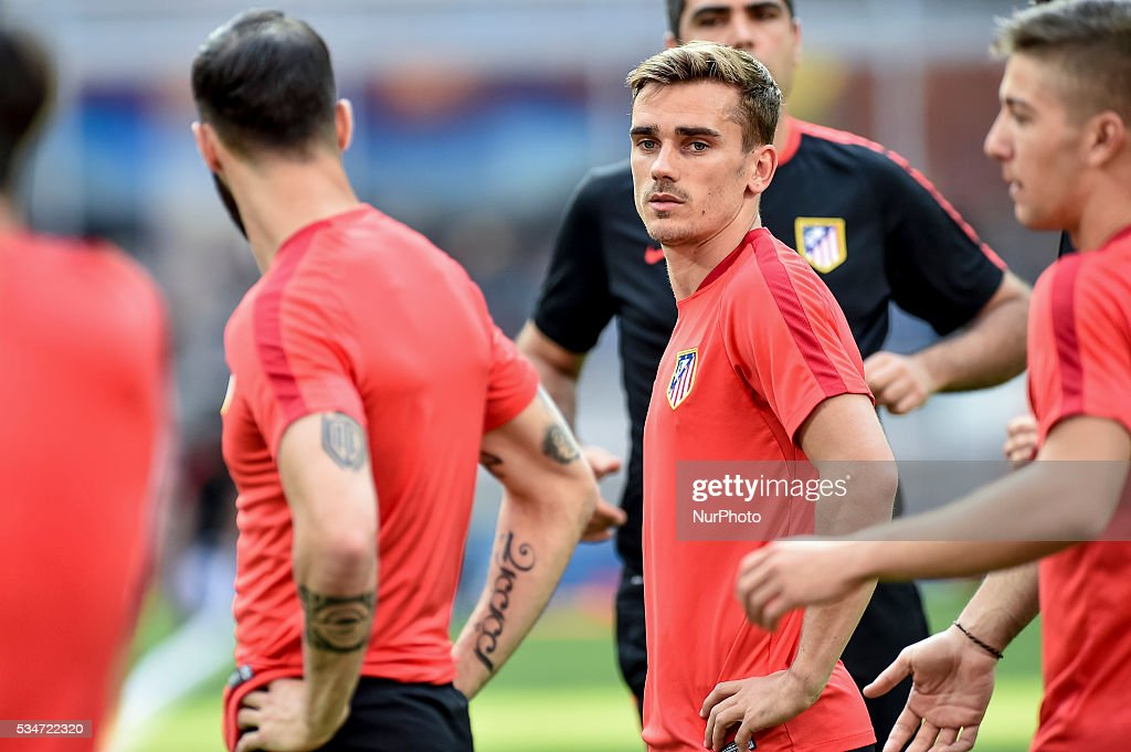<a gi-track='captionPersonalityLinkClicked' href=/galleries/search?phrase=Antoine+Griezmann&family=editorial&specificpeople=7197539 ng-click='$event.stopPropagation()'>Antoine Griezmann</a> of Atletico Madrid during the training session ahead the UEFA Champions League Final between Real Madrid and Atletico Madrid Atletico Madrid at Stadio San Siro, Milan, Italy on 27 May 2016