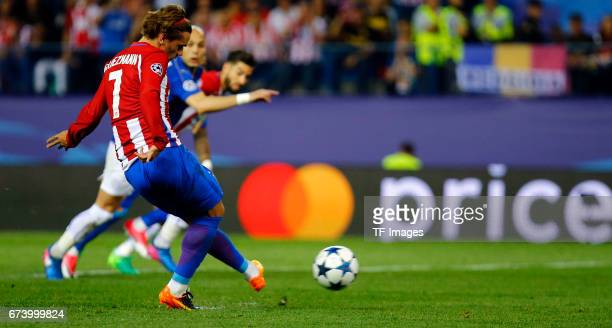 Antoine Griezmann of Atletico Madrid score a goal during the UEFA Champions League Quarter Final first leg match between Club Atletico de Madrid and...