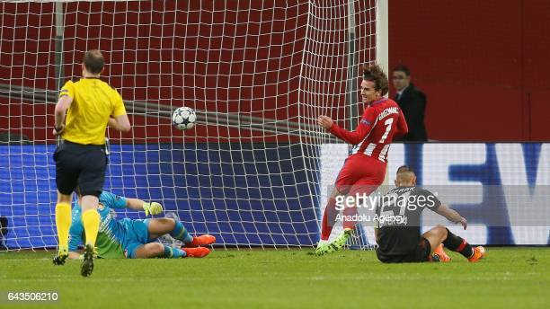 Antoine Griezmann of Atletico Madrid scores the 2nd goal against Leverkusen during the UEFA Champions League round of sixteen soccer match between...