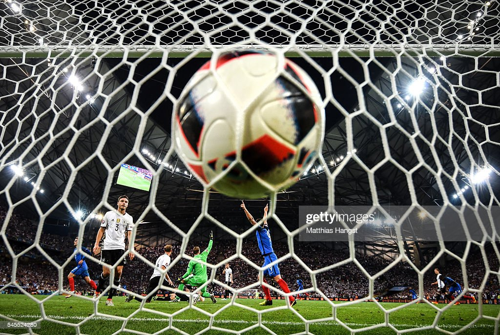 Antoine Griezmann (2nd L) of France celebrates scoring his team's second goal during the UEFA EURO semi final match between Germany and France at Stade Velodrome on July 7, 2016 in Marseille, France.