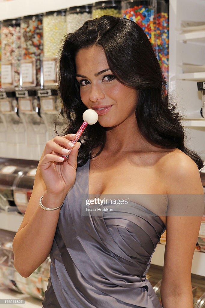 Antoinette Nikprelaj, a mermaid in 'Pirates Of The Caribbean: On Stranger Tides' shops at Sugar Factory American Brasserie on June 3, 2011 in Las Vegas, Nevada.