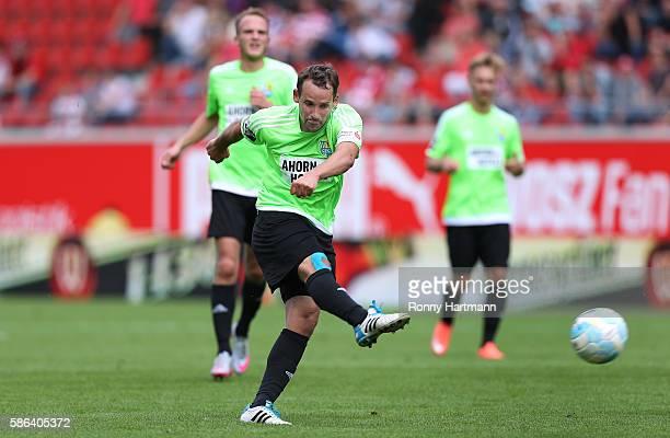 Anton Fink of Chemnitz scores his team's first goal during the Third League match between Hallescher FC and Chemnitzer FC at ErdgasSportpark on...