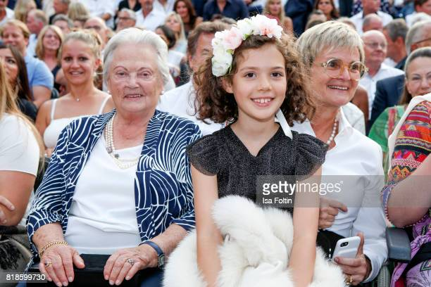 Antonia von Thurn und Taxis Gloria von Thurn und Taxis and her niece Mimi during the Zucchero concert at the Thurn Taxis Castle Festival 2017 on July...
