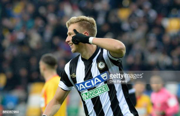 Antonin Barak of Udinese Calcio celebrates after scoring his opening goal during the Serie A match between Udinese Calcio and Benevento Calcio at...