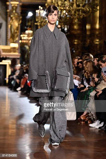 Antonina Petkovic walks the runway during the Stella McCartney show as part of the Paris Fashion Week Womenswear Fall/Winter 2016/2017 on March 7...