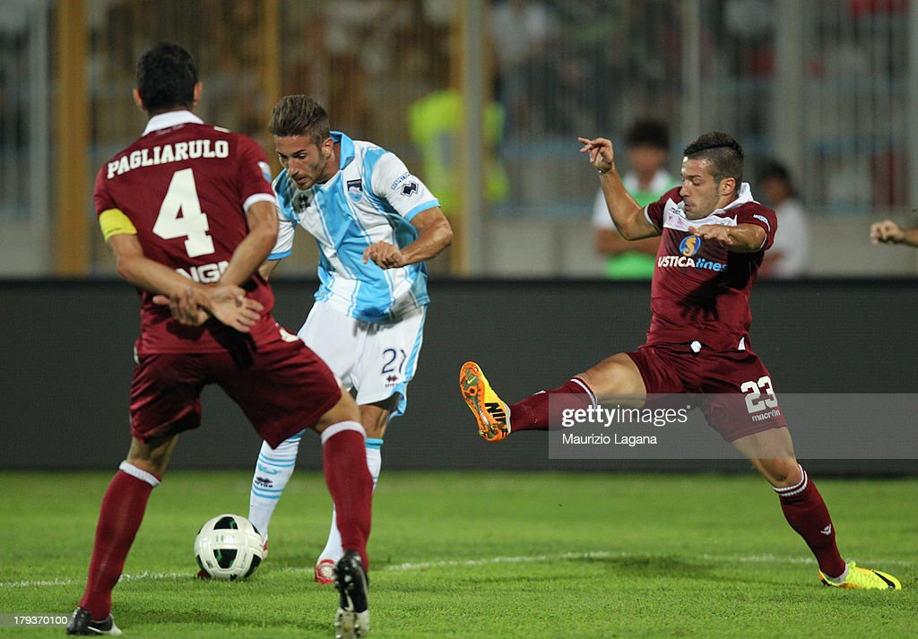 Antonino Ragusa of Pescara scores his team's opening goal during the Serie B match between Trapani Calcio and Pescara Calcio at Stadio Provinciale on September 2, 2013 in Trapani, Italy.
