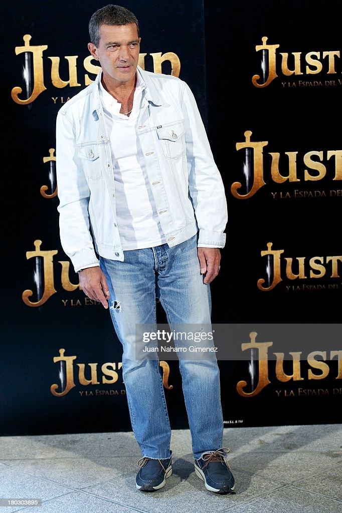 Antonio Banderas attends 'Justin And The Knights Of Valour' (Justin Y La Espada Del Valor) photocall at Castle of Villaviciosa de Odon on September 11, 2013 in Villaviciosa de Odon, Spain.