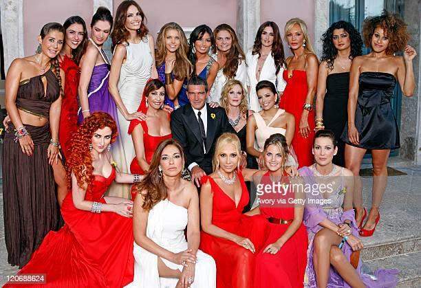 Antonio Banderas sorrounded by 19 philantropic women Elena Tablada Irene Meritxell Mar Saura Eugenia Silva Victoria Swarovski Elisabetta Briatore...