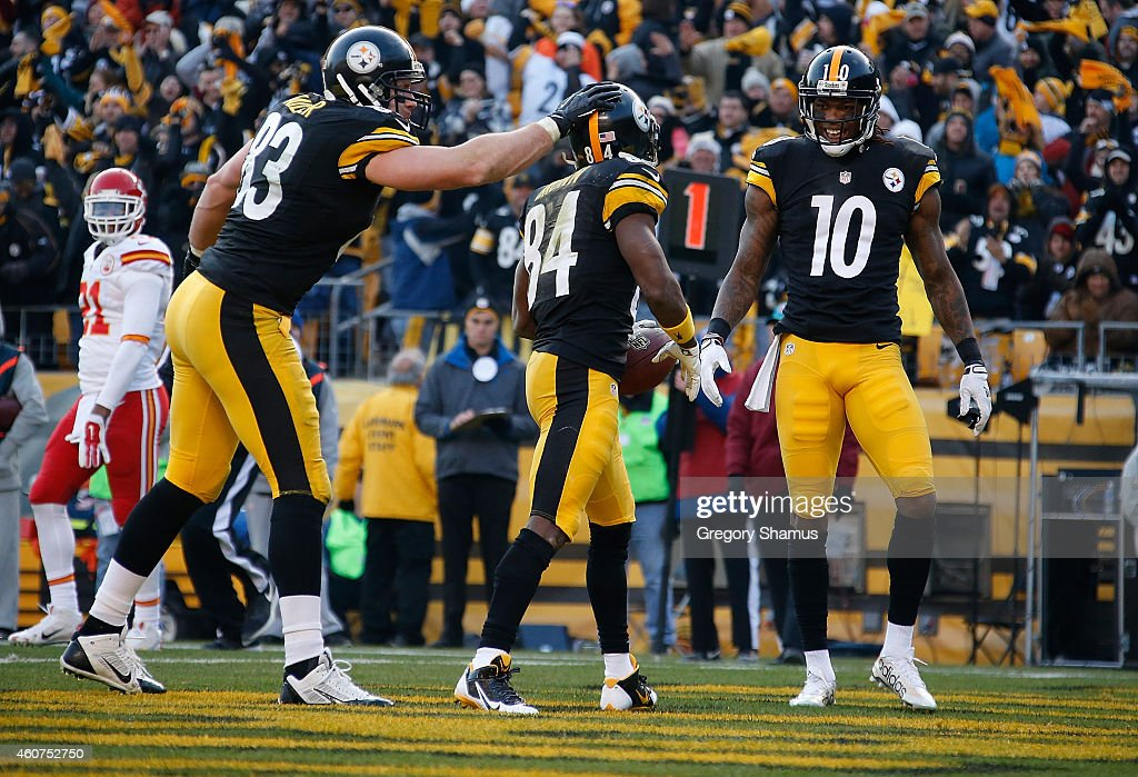 Antonio Brown #84 celebrates his touchdown with Heath Miller #83 and Martavis Bryant #10 of the Pittsburgh Steelers during the third quarter against the Kansas City Chiefs at Heinz Field on December 21, 2014 in Pittsburgh, Pennsylvania.