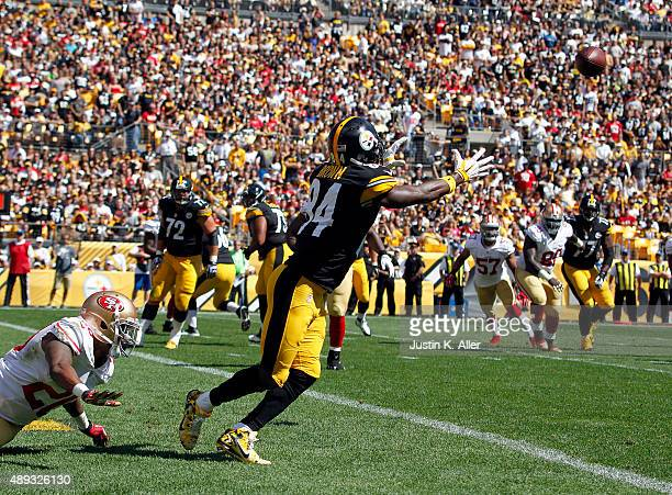 Antonio Brown of the Pittsburgh Steelers catches a two point conversion in the first quarter during the game against the San Francisco 49ers on...