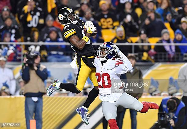 Antonio Brown of the Pittsburgh Steelers makes a reception over Janoris Jenkins of the New York Giants for a 22 yard touchdown in the second quarter...