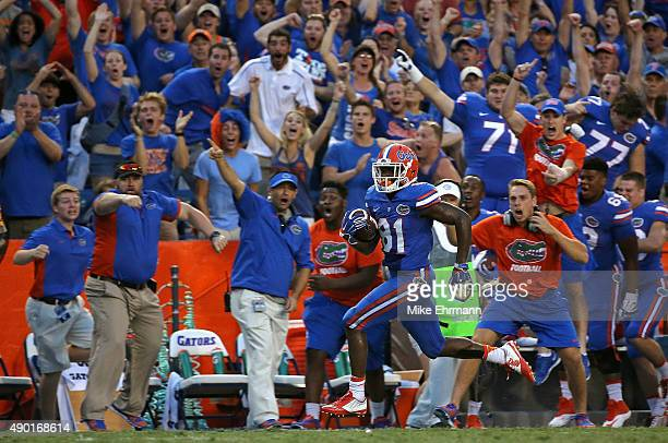 Antonio Callaway of the Florida Gators scores the winning touchdown during a game against the Tennessee Volunteers at Ben Hill Griffin Stadium on...