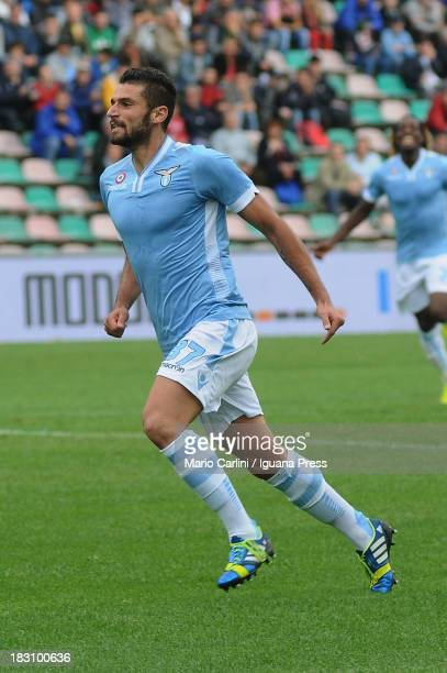Antonio Candreva celebrates after scoring his team's second goal during the Serie A match between US Sassuolo Calcio v SS Lazio at Mapei Stadium on...