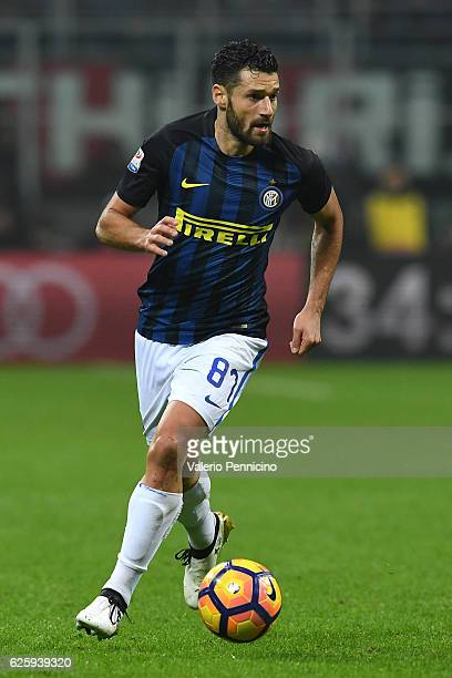 Antonio Candreva of FC Internazionale in action during the Serie A match between AC Milan and FC Internazionale at Stadio Giuseppe Meazza on November...