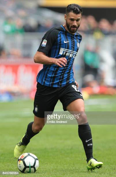 Antonio Candreva of FC Internazionale Milano in action during the Serie A match between FC Internazionale and Spal at Stadio Giuseppe Meazza on...