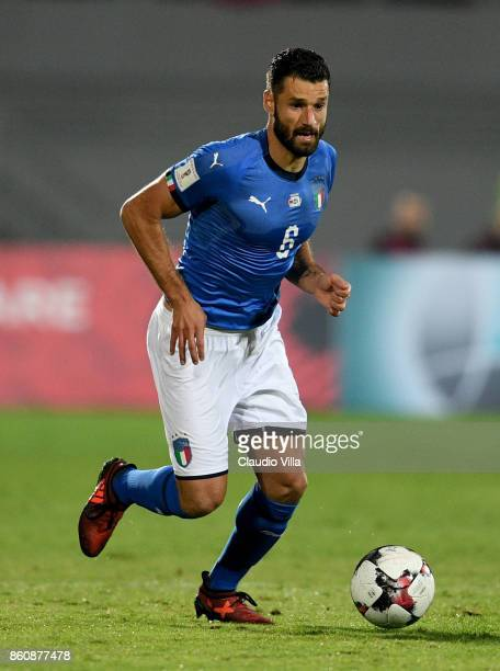 Antonio Candreva of Italy in action during the FIFA 2018 World Cup Qualifier between Albania and Italy at Loro Borici Stadium on October 9 2017 in...