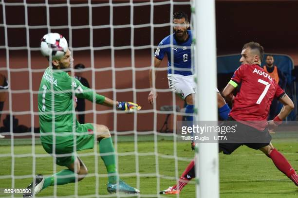 Antonio Candreva of Italy scores the opening goal during the FIFA 2018 World Cup Qualifier between Albania and Italy at Loro Borici Stadium on...