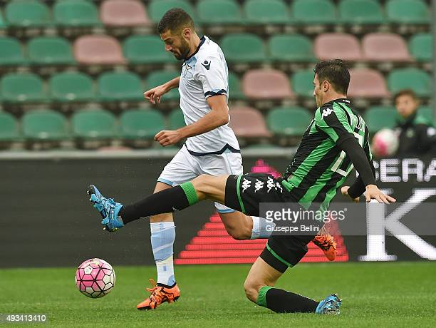 Antonio Candreva of Lazio and Federico Peluso of Sassulo in action during the Serie A match between US Sassuolo Calcio and SS Lazio at Mapei Stadium...