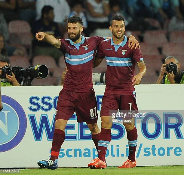 Antonio Candreva of Lazio celebrates scoring a goal with teammate Felipe Anderson during the Serie A match between SSC Napoli and SS Lazio at Stadio...