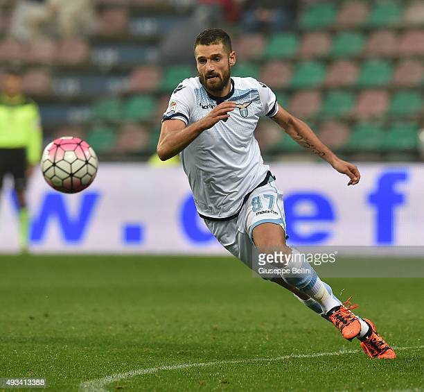Antonio Candreva of Lazio in action during the Serie A match between US Sassuolo Calcio and SS Lazio at Mapei Stadium Citta del Tricolore on October...