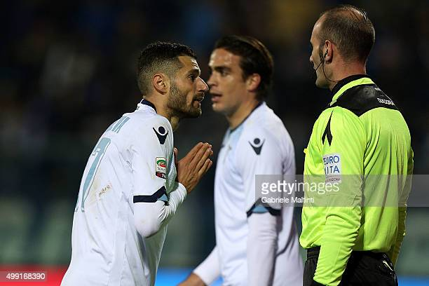Antonio Candreva of SS Lazio approaches the referee during the Serie A match between Empoli FC and SS Lazio at Stadio Carlo Castellani on November 29...