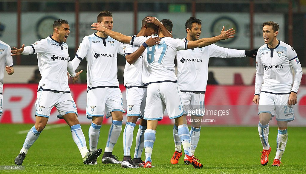 Antonio Candreva #87 of SS Lazio celebrates with his team-mates after scoring the opening goal during the Serie A match between FC Internazionale Milano and SS Lazio at Stadio Giuseppe Meazza on December 20, 2015 in Milan, Italy.