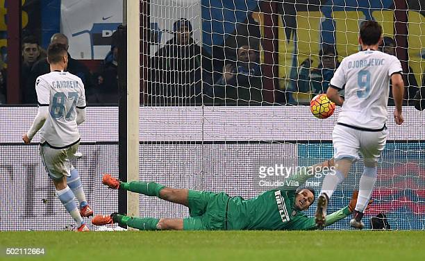 Antonio Candreva of SS Lazio scores the second goal during the Serie A match between FC Internazionale Milano and SS Lazio at Stadio Giuseppe Meazza...